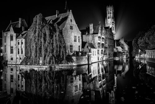 Bruge at night by Graeme Harvey